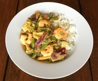 Thaise curry met garnalen en groenten