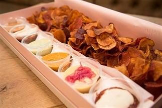 Yum: deze bar in Londen serveert chips met dip!