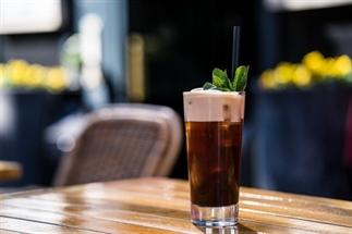 Zomers recept: ijskoffie & cocktail in één!