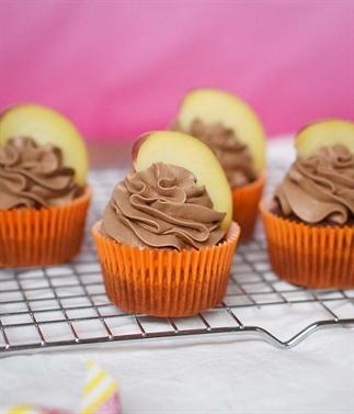 Chocolade cupcakes met perzik